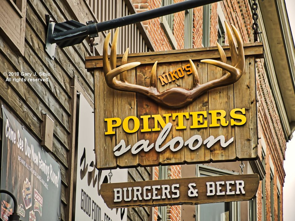 Pointers Saloon Sign in Marengo, Illinois (2018-06-22 13-45-32a)